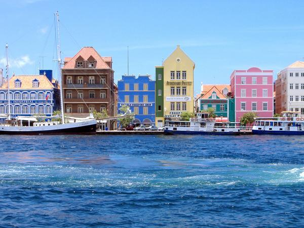 Liberty Latin America acquires UTS shares from Curacao government