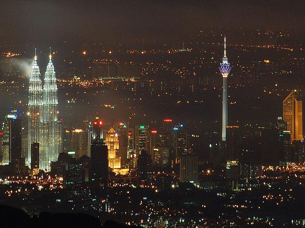 Malaysian operators renew 2.1GHz licences